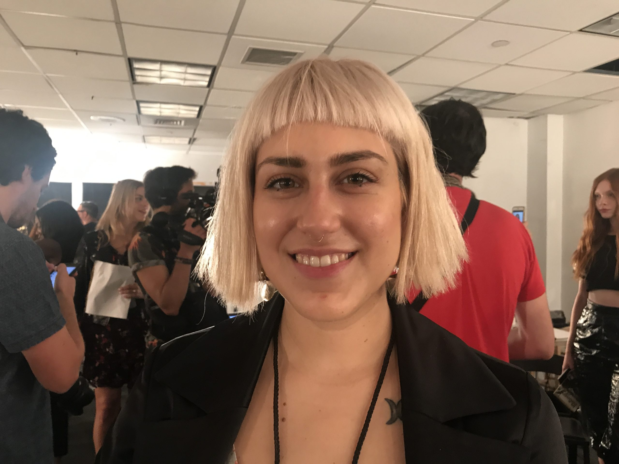 Best Street Style Hair NYFW short blonde with bangs