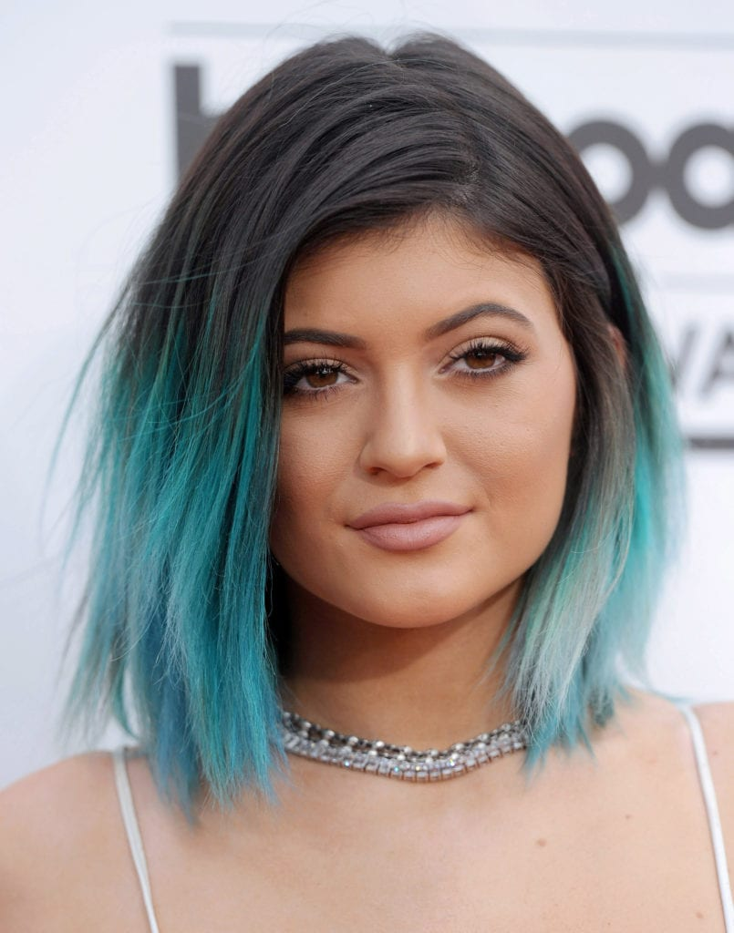 Kylie Jenner attends the 2014 Billboard Music Awards with a black and electric blue ombré look