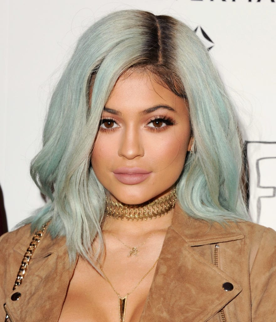 Kylie Jenner attends a Paper Towns screening with a light blue hairdo