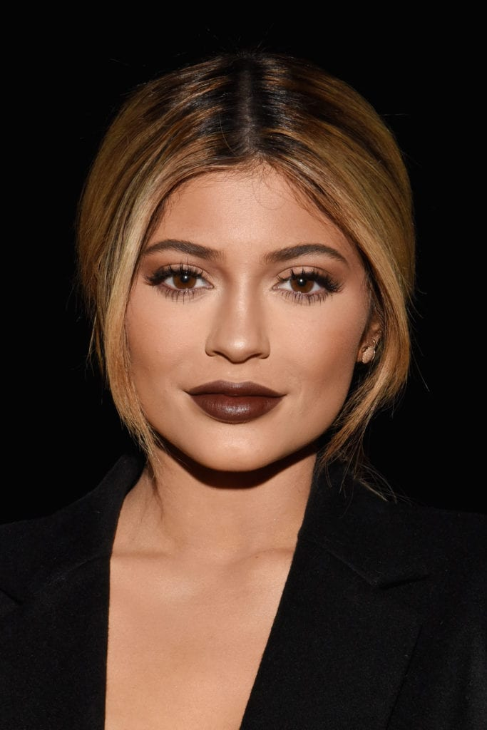 Kylie Jenner sports a golden vibe at a Vera Wang fashion show in 2015